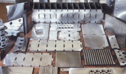 Wear Parts: moulding plates and stamp plates for sand-lime brick industry